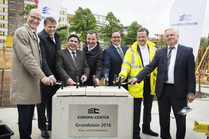 Grundsteinlegung am Europa-Center Areal